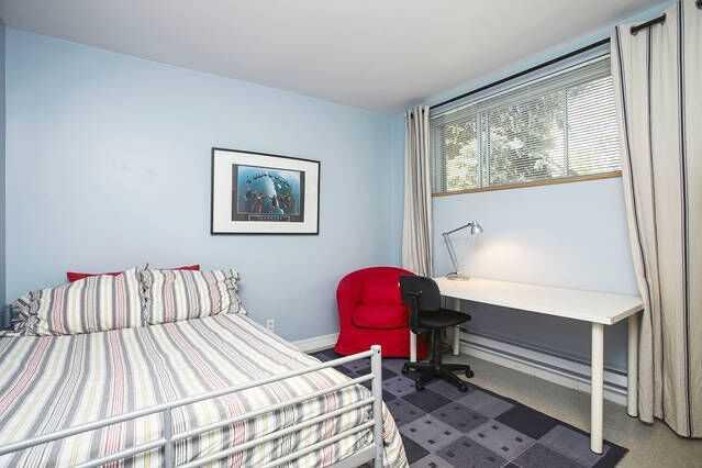 Room 6 Maison près d'HEC basement