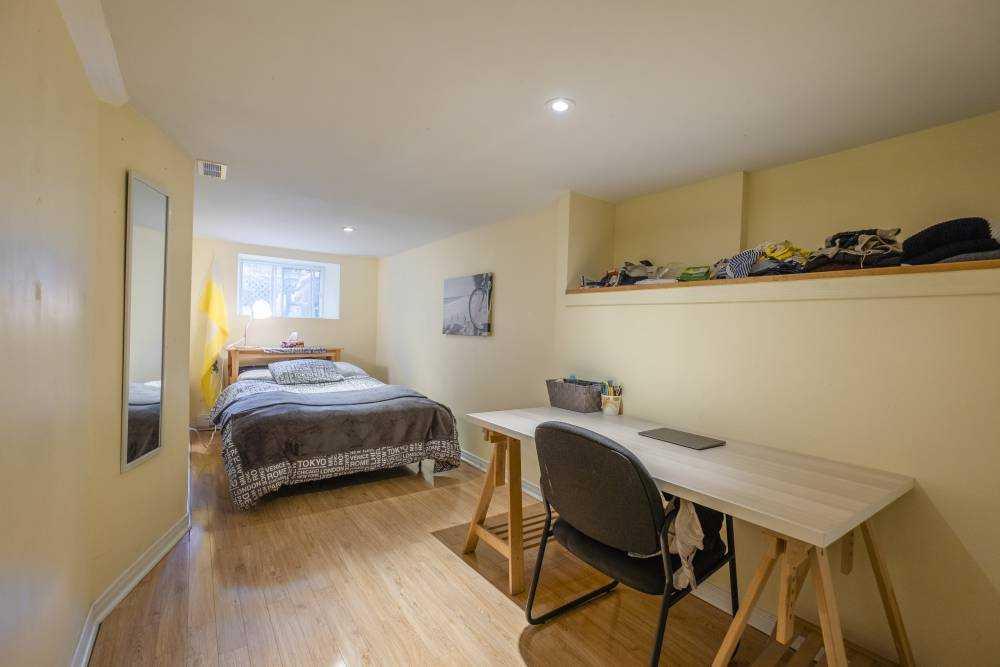 Room 4 / La Maison Coloniale du Plateau